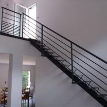 escalier-droit-metal-artisan
