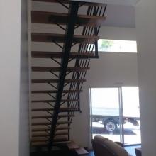 escalier-marche-bois-tournant