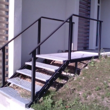 escalier-metal-acces-exterieur