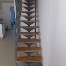 escalier-rampe-metal-bois
