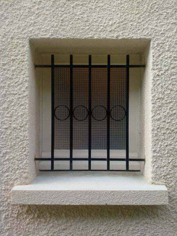 Pose grille de defense for Grilles de defense fenetre