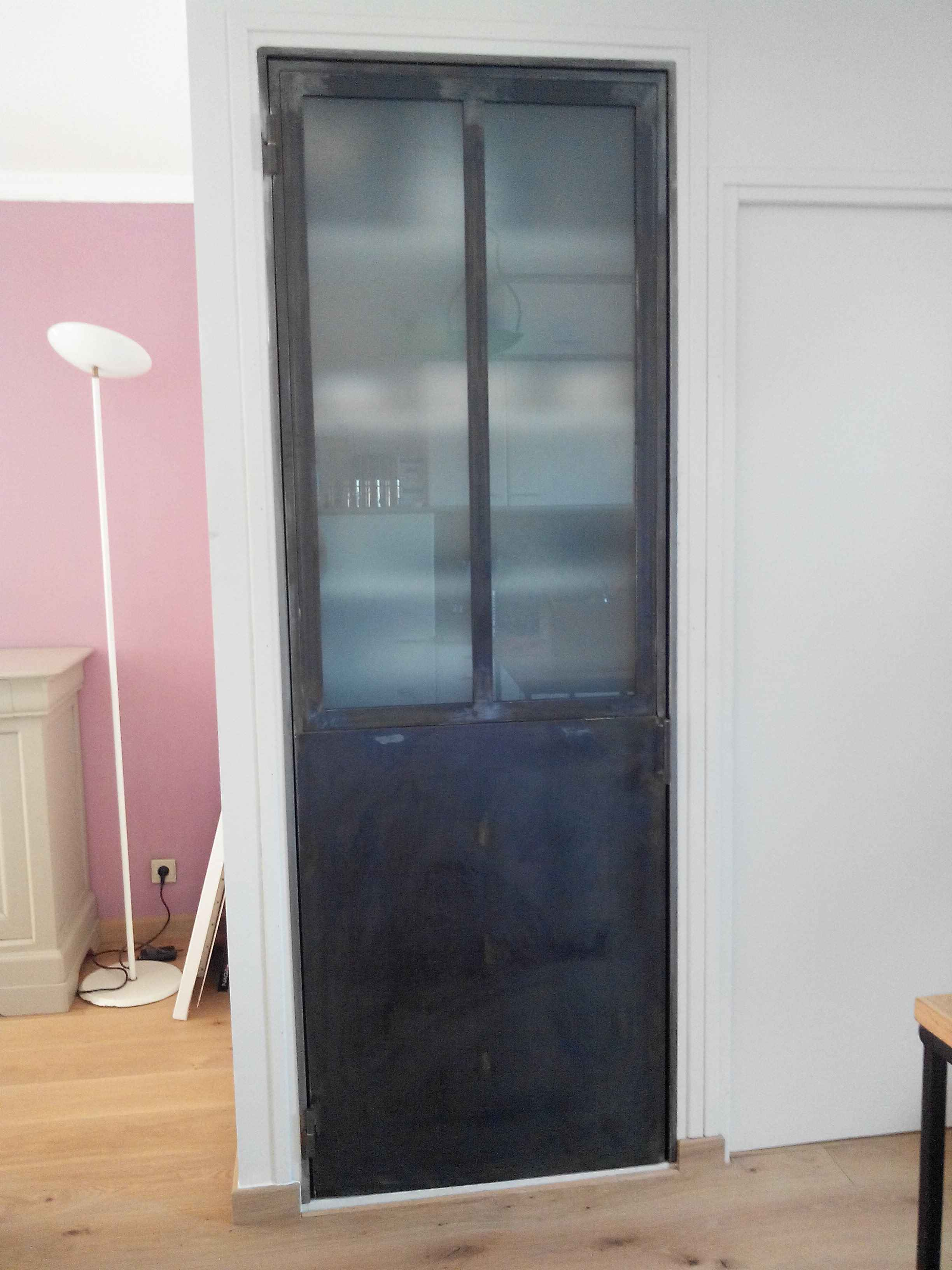 mobilier m tal sur mesure. Black Bedroom Furniture Sets. Home Design Ideas