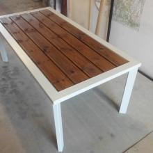 table-thermolaqué
