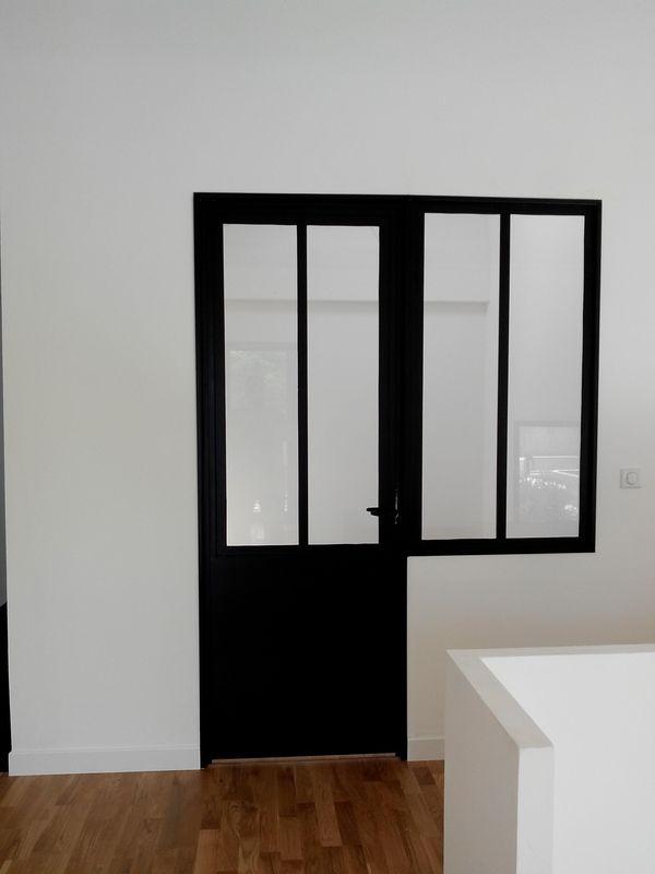 parois vitr es m tal sur mesure. Black Bedroom Furniture Sets. Home Design Ideas