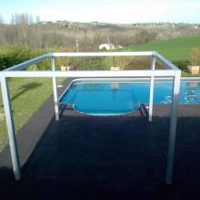 abris-de-piscine-en-metal-eclairage-led-vue-2