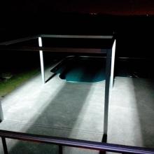 abris-de-piscine-en-metal-eclairage-led-vue-de-nuit
