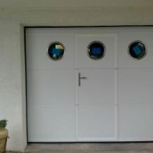 porte-sectionnelle-avec-hublots-portillon